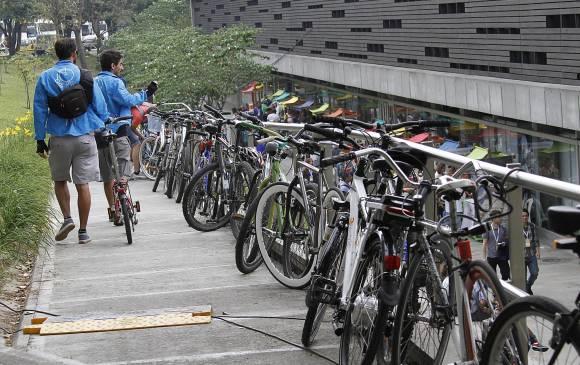 Un día sin 220.000 vehículos en el Área Metropolitana