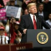 Miedo y pesimismo: lo que sienten los latinos con Trump.