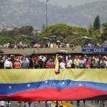Venezuela sigue en la calle contra N. Maduro.