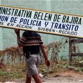 Autoridades antioqueñas permanecerán en Bajirá y Chocó dice que esa presencia es ilegal.