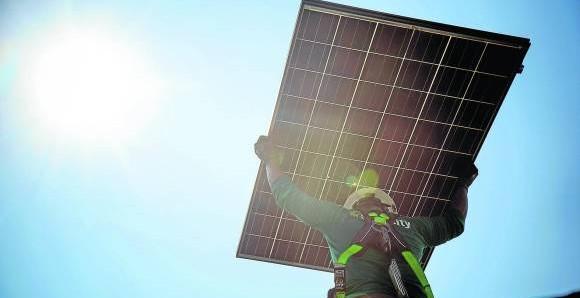 Paisas hallan cómo optimizar y abaratar la energía solar.