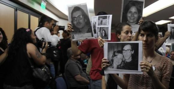 """Catarsis en Argentina tras condenas por los """"vuelos de la muerte""""."""