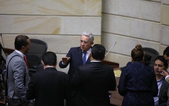En vilo, el caso de Álvaro Uribe.