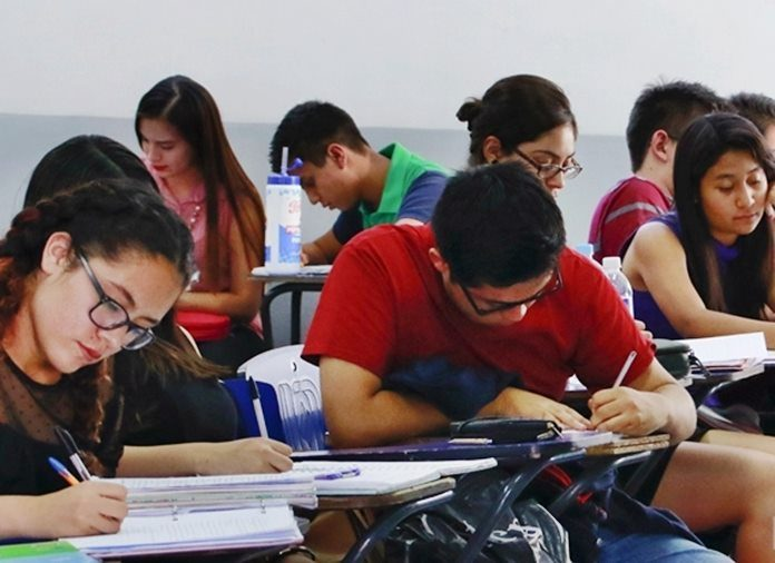 Educación y transporte impulsan el IPC en Medellín.