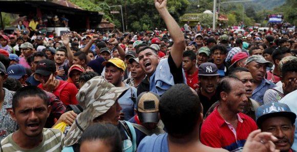 Trump amenaza con enviar al ejército a la frontera con México.