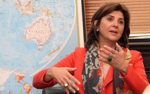 Maduro hace rato culpa a Colombia de sus males: canciller Holguín