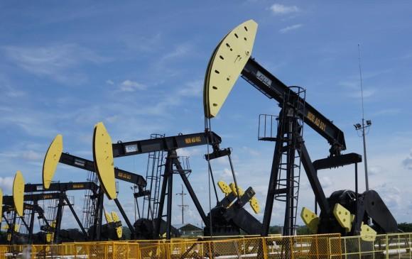 Municipios con actividades petroleras mejoran más en calidad de vida: estudio.